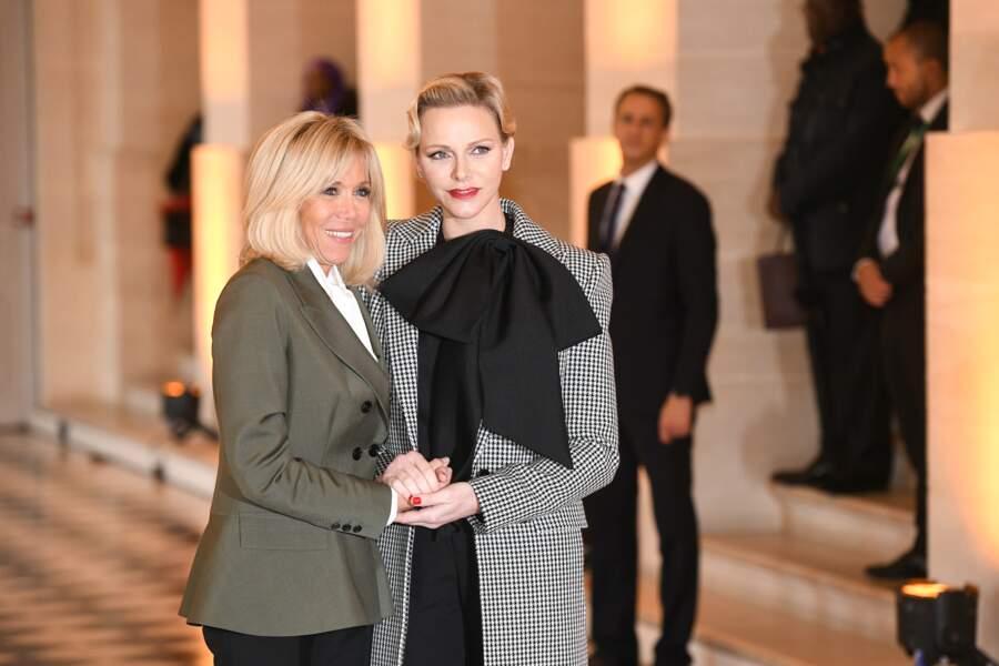 Brigitte Macron en compagnie de Charlène de Monaco, à Versailles, en novembre 2018