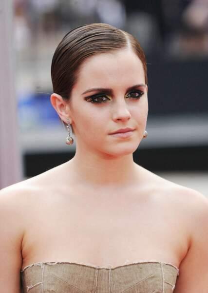 La coupe courte effet mouillé comme Emma Watson