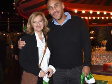 PHOTOS - Valérie Trierweiler, et Romain Magellan un couple tout sourire