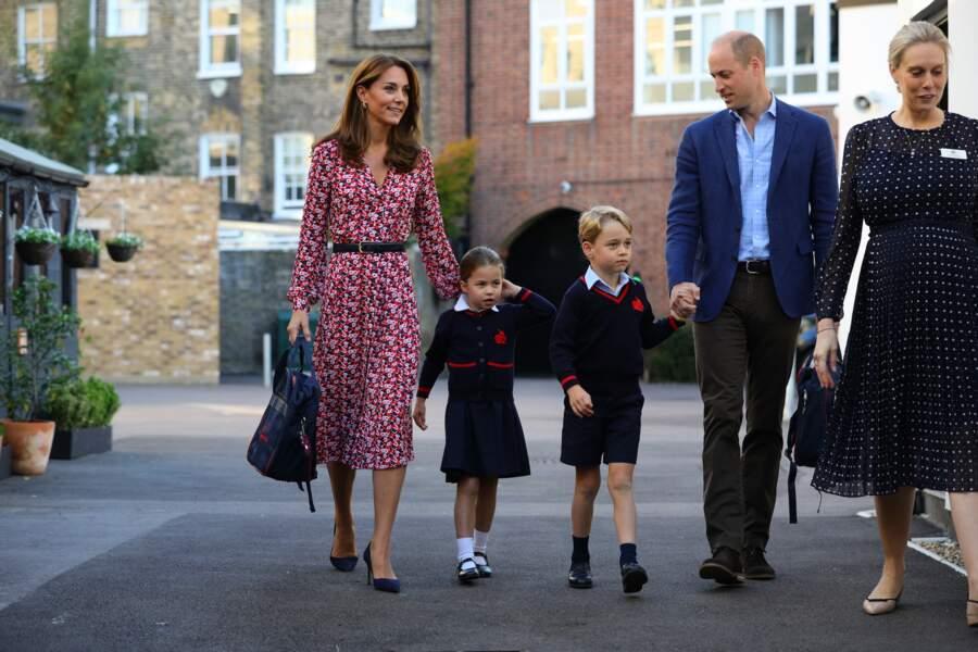 Une très belle photo de famille pour Kate Middleton, William, George et Charlotte et sa maîtresse