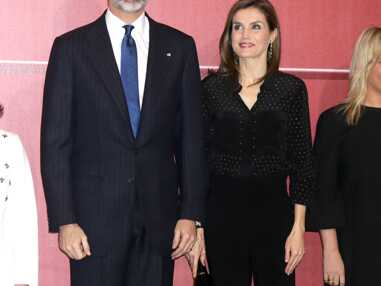 Letizia d'Espagne sobre et chic en total look noir