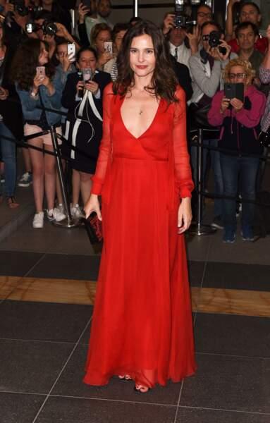 Virginie Ledoyen, écarlate en robe Dior