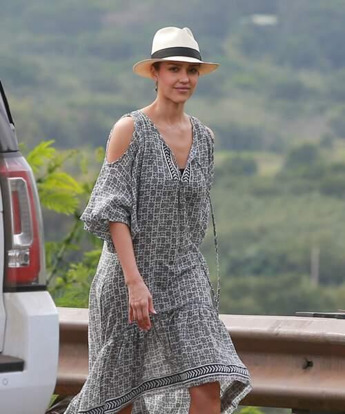 Jessica Alba dévoile une jolie robe