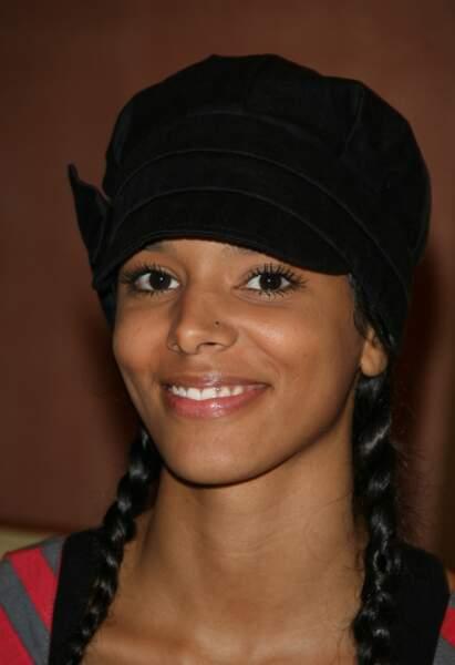 Shy'm sous sa casquette en 2007