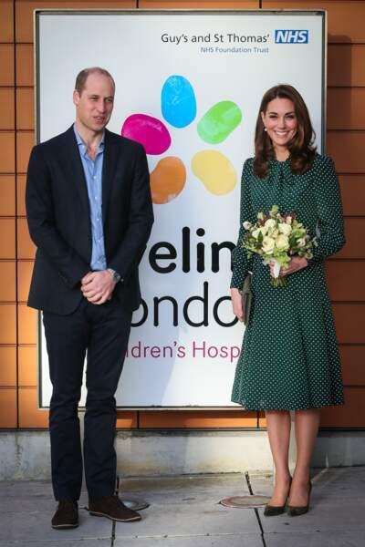 Kate Middleton (en robe à pois L.K Bennett) avec William à l'hôpital pour enfants Evelina le 11 décembre 2018