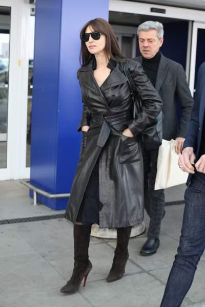 Monica Bellucci, classe et discrète, arrive à l'aéroport de Milan, le 19 février 2019.
