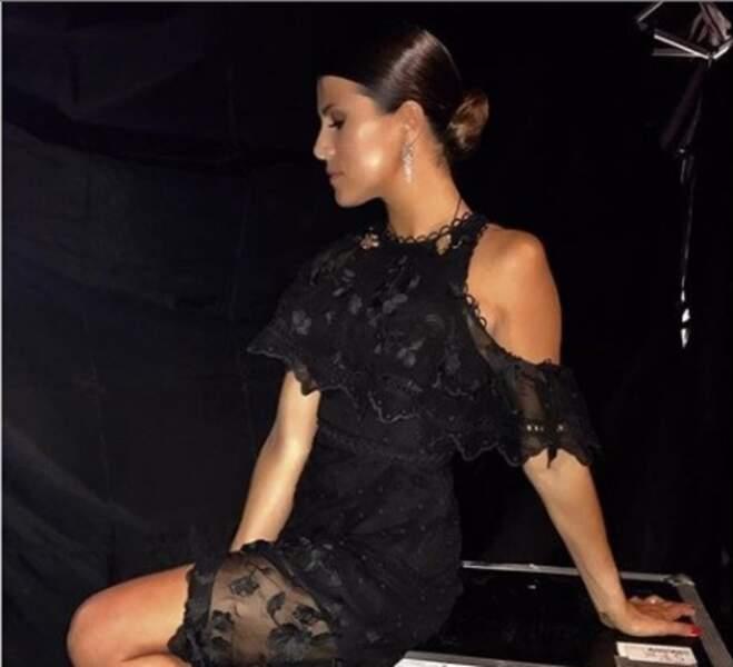 Karine Ferri maitrise l'art du chignon strict qui lui va très bien