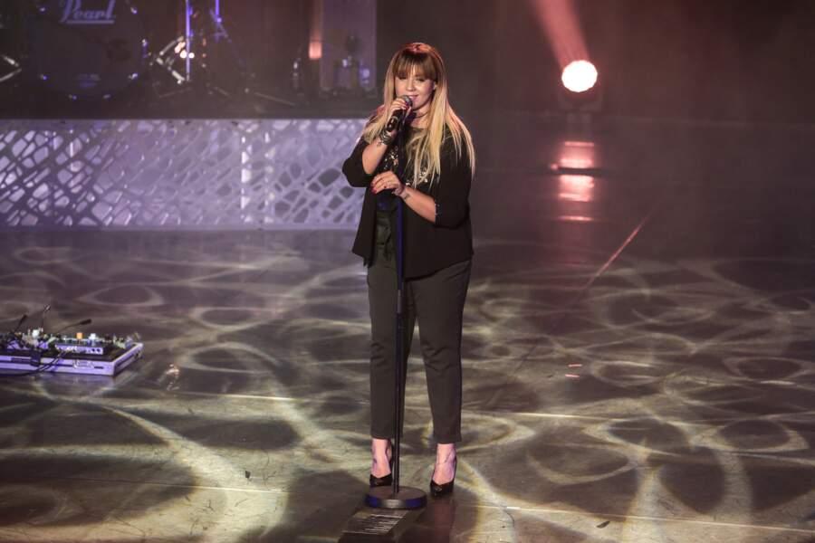 """Chimène Badi en concert avec Julie Zenatti pour la tournée """"Méditerranéennes"""" à Lille, le 10 mars 2018"""