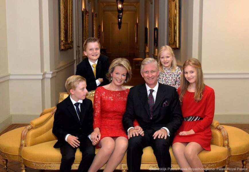 La famille royale de Belgique. Le roi Philippe et la reine Mathilde avec leurs enfants