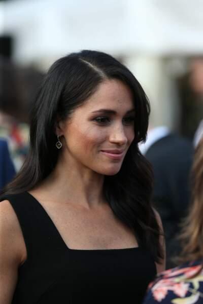 La robe noire à bretelles de Meghan Markle est signée de la créatrice néo-zélandaise Emilia Wickstead