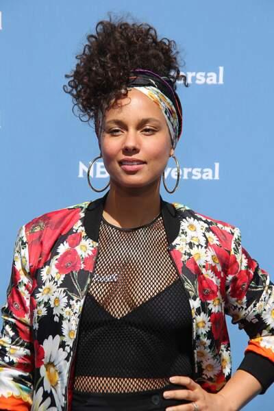 Alicia Keys prône le naturel et le revendique avec des cheveux magnifiques