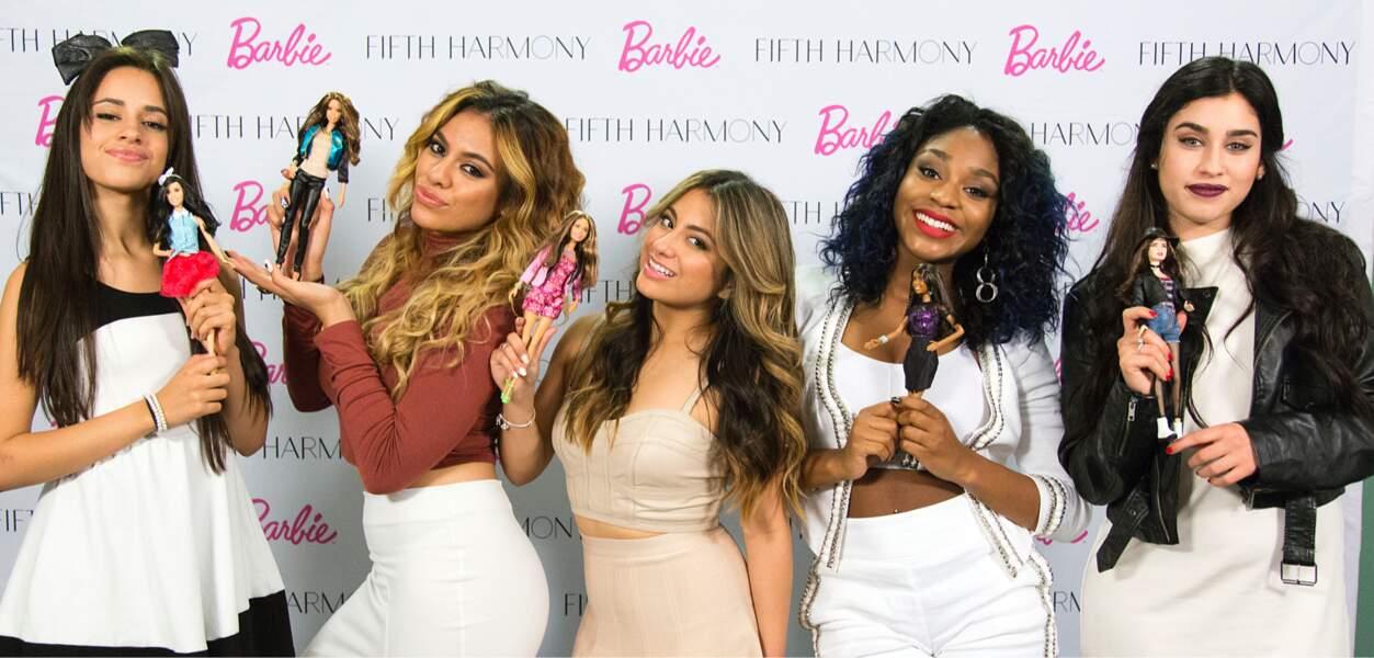 """En 2014, le groupe Fifth Harmony interprète """"Anything Is Possible"""", pour la websérie """"Barbie et sa maison de rêve"""""""