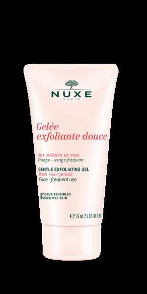 le gommage pétales de rose de Nuxe pour un joli grain de peau