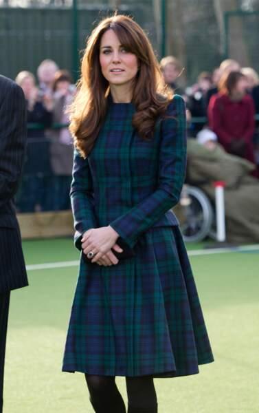 Kate Middleton de retour à son ancienne école de St-Andrews, le 30 novembre 2012