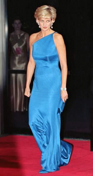 Reine du bal, la princesse Diana savait éblouir les photographes