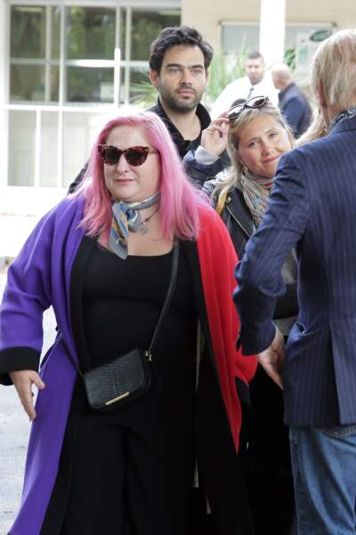 Aux obsèques de son père, Marilou Berry est soutenue par son amie Bérengère Krief