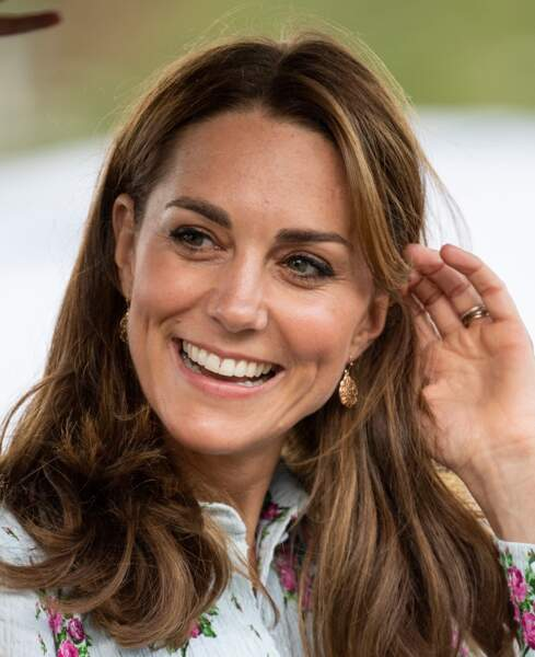 Kate Middleton souligne son bronzage avec une nouvelle couleur de cheveux aux reflets ensoleillés