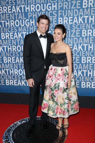 Ashton Kutcher et sa femme Mila Kunis, un couple chic et radieux