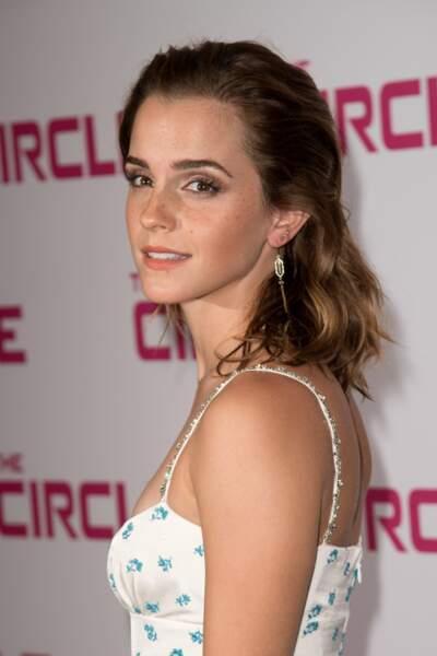 Emma Watson : une robe bohème et un make-up bonne mine à l'UGC Normandie pour la première de son film The Circle