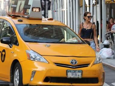 PHOTOS - Katie Holmes ose le look bohème dans les rues de New York