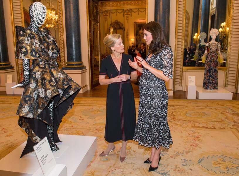 """Kate Middleton à la réception organisée pour célébrer le """"Commonwealth Fashion Exchange"""""""