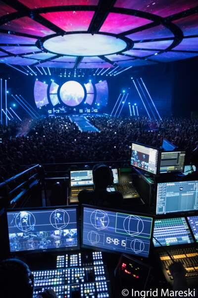 Les consoles qui permettent de contrôler l'impressionnant dispositif des écrans