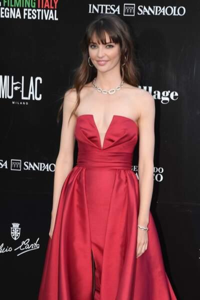 Annabelle Belmondo, la petite fille de Jean Paul Belmondo très élégante dans une longue robe de soirée fendue
