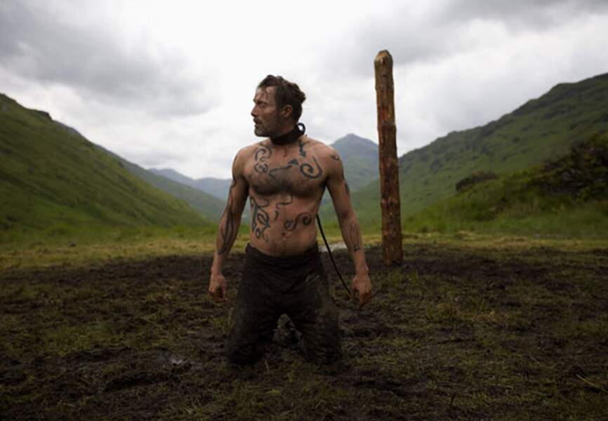 """De retour sur la bonne voie. Dans """"Valhalla Rising"""", Mikkelsen interprète un guerrier borgne et muet. Magistral"""