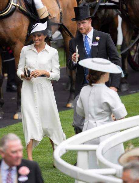 Meghan Markle en robe chemise Givenchy, avec le Prince Harry le 19 juin 2018 lors du Royal Ascot