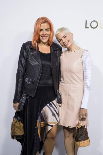 Busy Philipps et Michelle Williams à la soirée d'ouverture de la boutique Louis Vuitton à Paris, en 2017