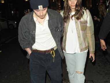 Brooklyn Beckham, amoureux grungy avec sa compagne Hana Cross