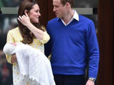 Looks - Kate Middleton accorde toujours la tenue de sa fille, Charlotte, à la sienne