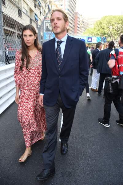 Andrea Casiraghi et Tatiana marchant côte à côte lors de leur arrivée au Grand Prix de Monaco de Formule-E