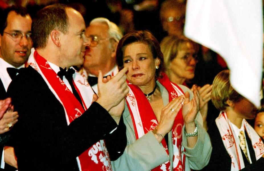 Albert et Stéphanie de Monaco, très émue, lors du festival du cirque de Monaco, le 25 janvier 2000