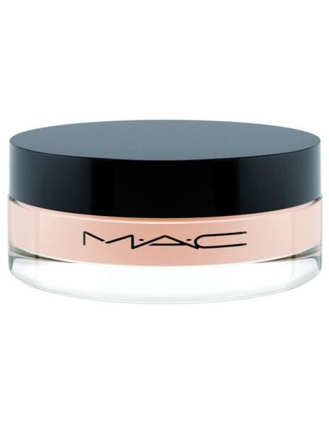 la poudre couvrant Studio Fix Power de Mac, incontournable pour les peaux mixtes