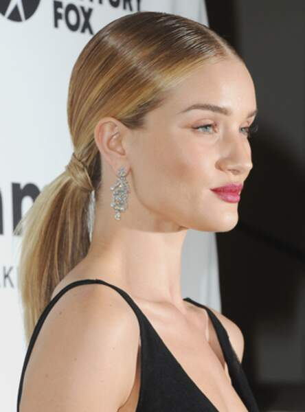 La queue de cheval basse de Rosie Huntington