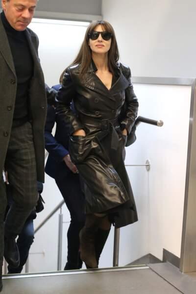La classe italienne pour Monica Bellucci, à l'aéroport de Milan, le 19 février 2019.