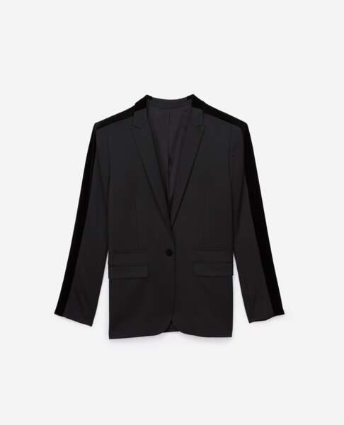 Veste en laine mélangée avec bande de velours, 388 €, The Kooples.