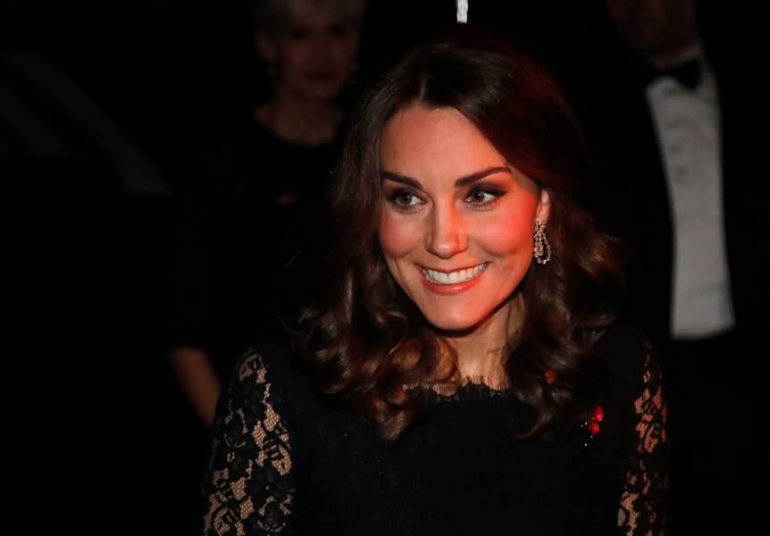 Très souriante, Kate Middleton ne semble plus souffrir des nausées causées par sa grossesse