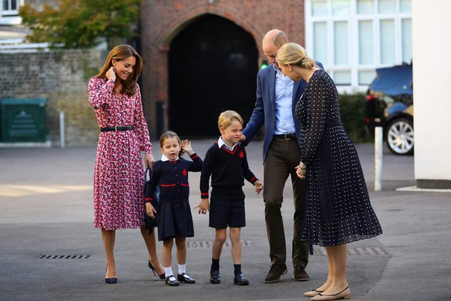 Kate Middleton ravissante pour présenter ses enfants à la maitresse de la princesse Charlotte