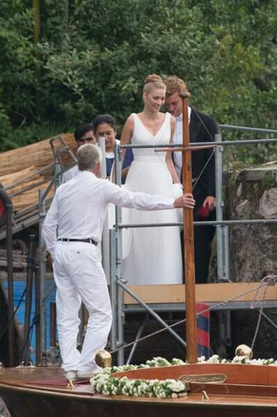 Le chignon haut et tressé de Béatrice Borromeo lors de son mariage religieux