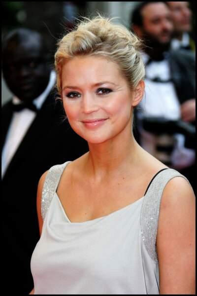 2008  : Virginie Efira rayonnante les yeux charbonneux et un joli chignon à Cannes
