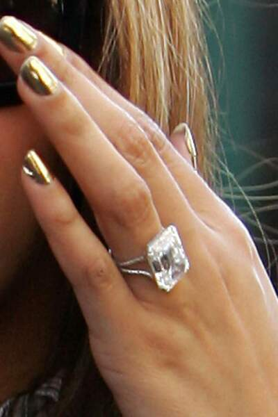 Son gros diamant Lorraine Schwartz offert  par Jay Z en 2008 avant leur mariage secret