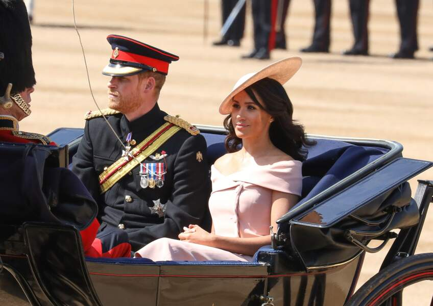 Le prince Harry et Meghan Markle, en robe Carolina Herrera, pour Trooping the Colour le 9 juin 2018