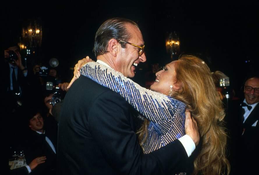 Jacques Chirac et la ravissante Dalida à Paris, en Mars 1983.