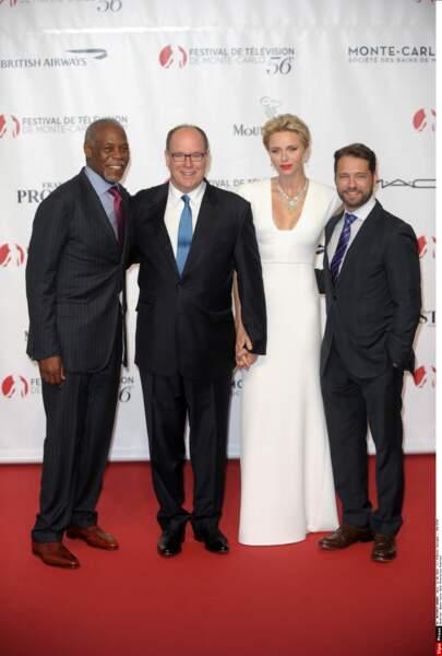 Albert et Charlène de Monaco avec les présidents des jurys, Danny Glover et Jason Priestley