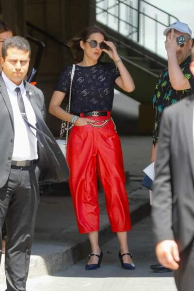 Marion Cotillard radieuse dans un look très estival