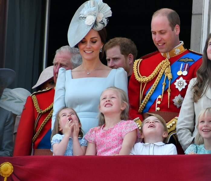 """Les membres de la famille royale britannique lors du rassemblement militaire """"Trooping the Colour"""""""