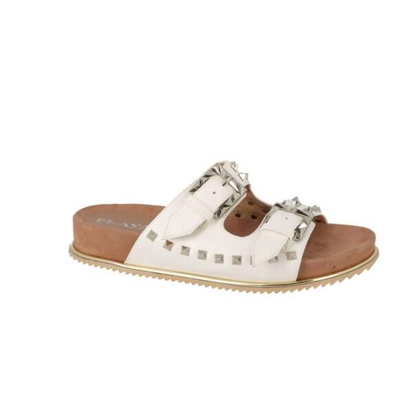 Cloutées, sandales blanches à clous Playa, 49 € (chaussurecassis.com)