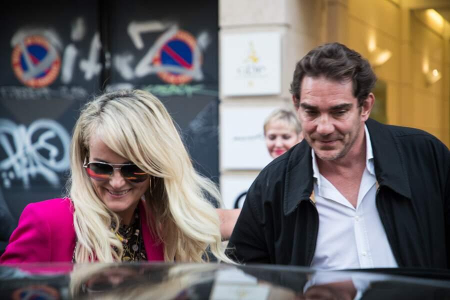 Laeticia Hallyday sort d'un rendez-vous avec Sébastien Farran à Paris le 16 octobre 2018